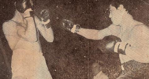 1965-Bonavena vs Peralta--Rev KOMUNDIAL 669--0001