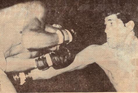 1965-Bonavena vs Peralta--Rev KOMUNDIAL 669--0002